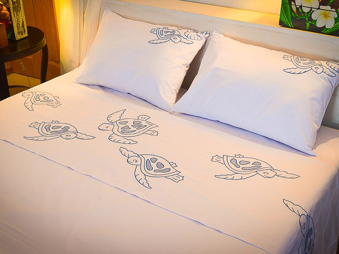 Bed Sheet Set Embroidery Honu