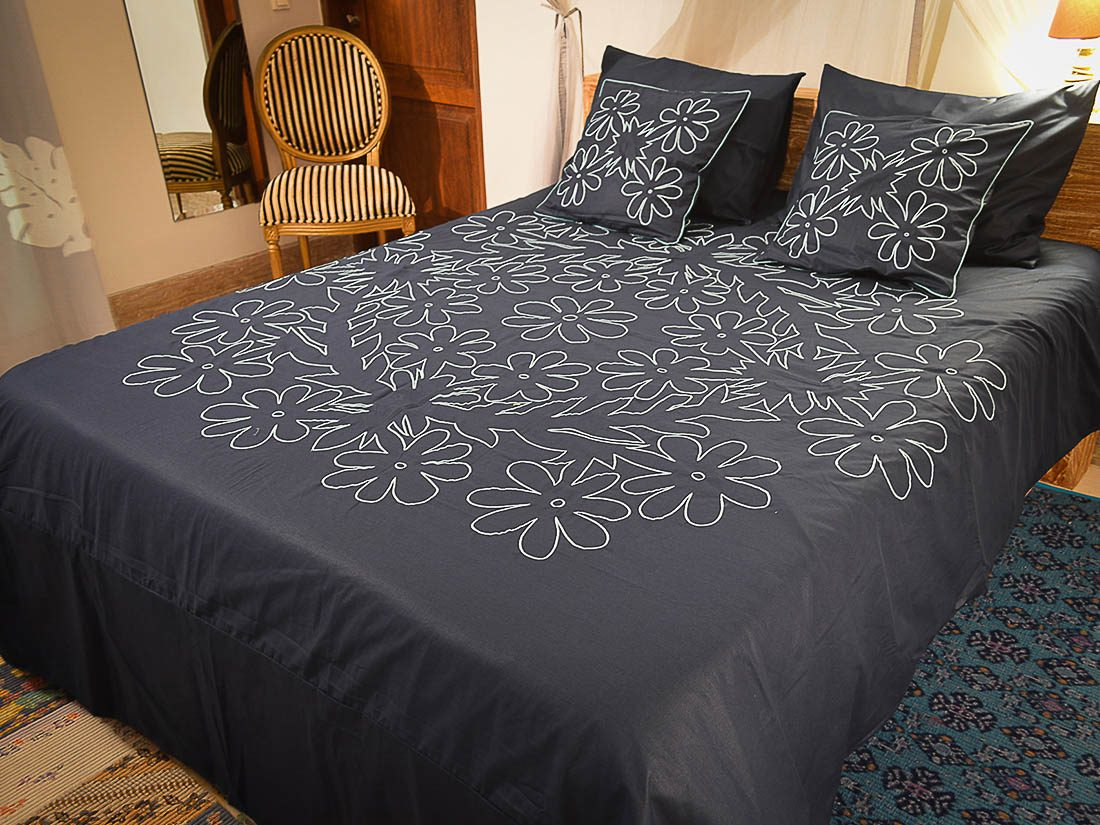 Duvet Cover Set Embroidery Tiare